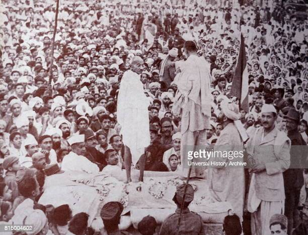 Mahatma Gandhi with Abdul Ghaffar Khan' in Peshawar India in 1947