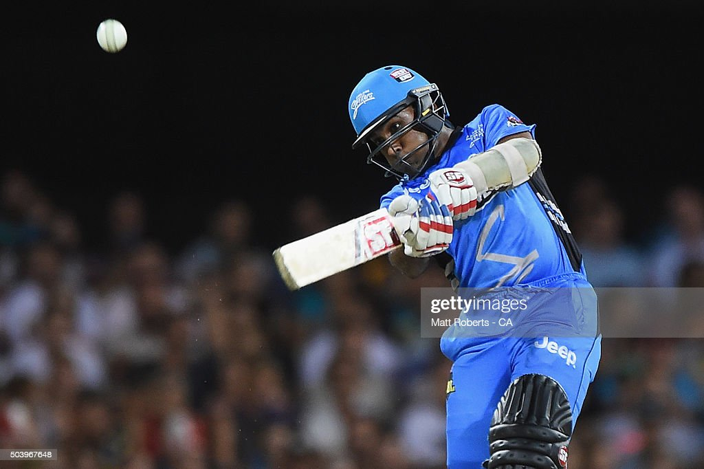 Mahela Jayawardena of the Strikers bats during the Big Bash League match between the Brisbane Heat and the Adelaide Strikers at The Gabba on January 8, 2016 in Brisbane, Australia.