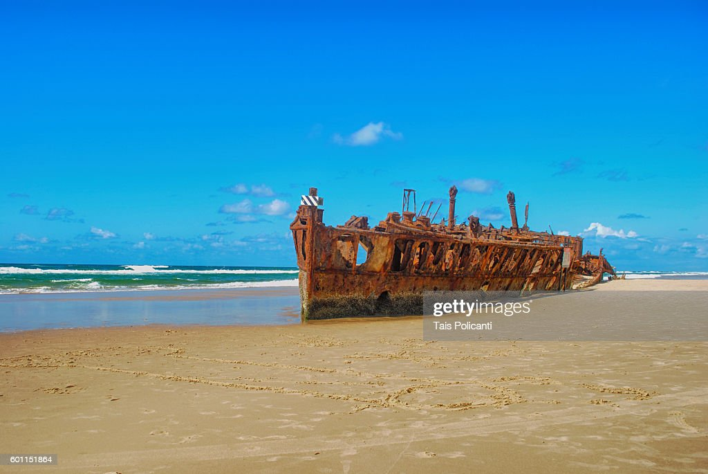 S.S. Maheno (shipwreck) at Fraser Island, Queensland, Australia, Oceania : ストックフォト