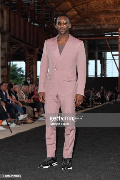 Mahershala Ali attends the Ermenegildo Zegna fashion show during the Milan Men's Fashion Week Spring/Summer 2020 on June 14 2019 in Milan Italy