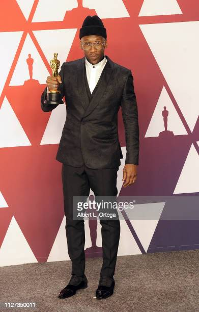 Mahershala Ali poses with her award for Best Supporting Actor inside the Press Room at the 91st Annual Academy Awards held at Hollywood and Highland...