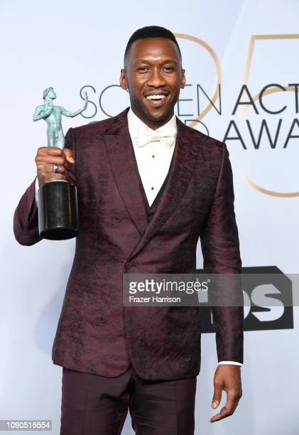Mahershala Ali winner of Outstanding Performance by a Male Actor in a Supporting Role for 'Green Book' poses in the press room during the 25th Annual...