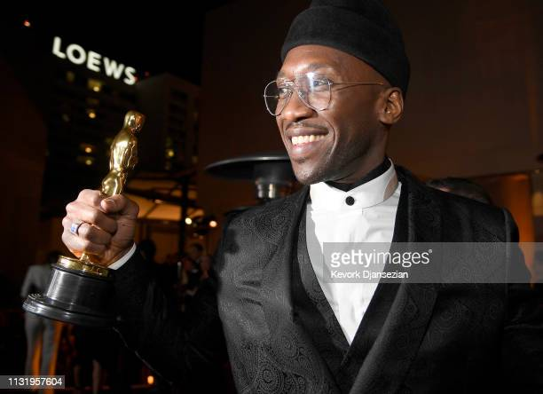Mahershala Ali, winner of the Actor in a Supporting Role award for 'Green Book,' attends the 91st Annual Academy Awards Governors Ball at Hollywood...