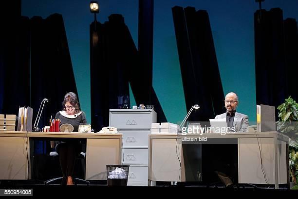 Mahlzeit Ein Leben im Büro Mit Iris Berben und Christoph Maria Herbst Iris Berben und Christoph Maria Herbst lesen Texte von einen Ort wo die meisten...