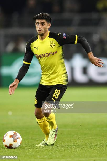 Mahmoud Dahoud of Borussia Dortmund controls the ball during UEFA Europa League Round of 16 match between Borussia Dortmund and FC Red Bull Salzburg...