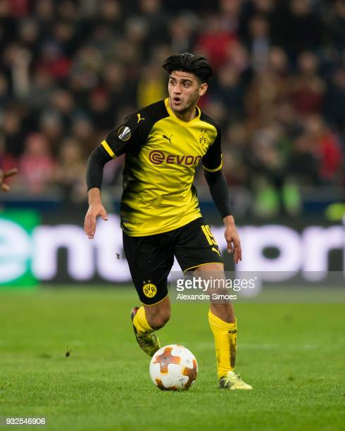 Mahmoud Dahoud of Borussia Dortmund in action during the UEFA Europa League match between FC Red Bull Salzburg and Borussia Dortmund at the Red Bull...