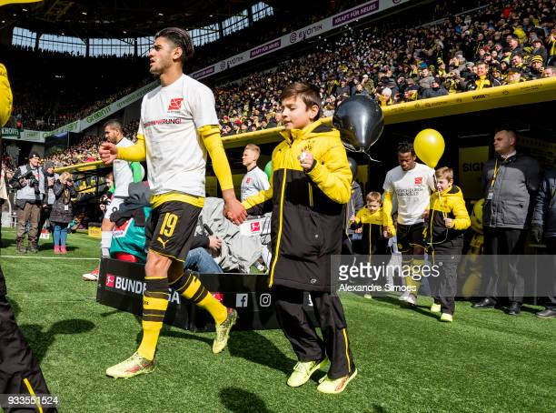 Mahmoud Dahoud of Borussia Dortmund on his way to the pitch prior to the Bundesliga match between Borussia Dortmund and Hannover 96 at the Signal...
