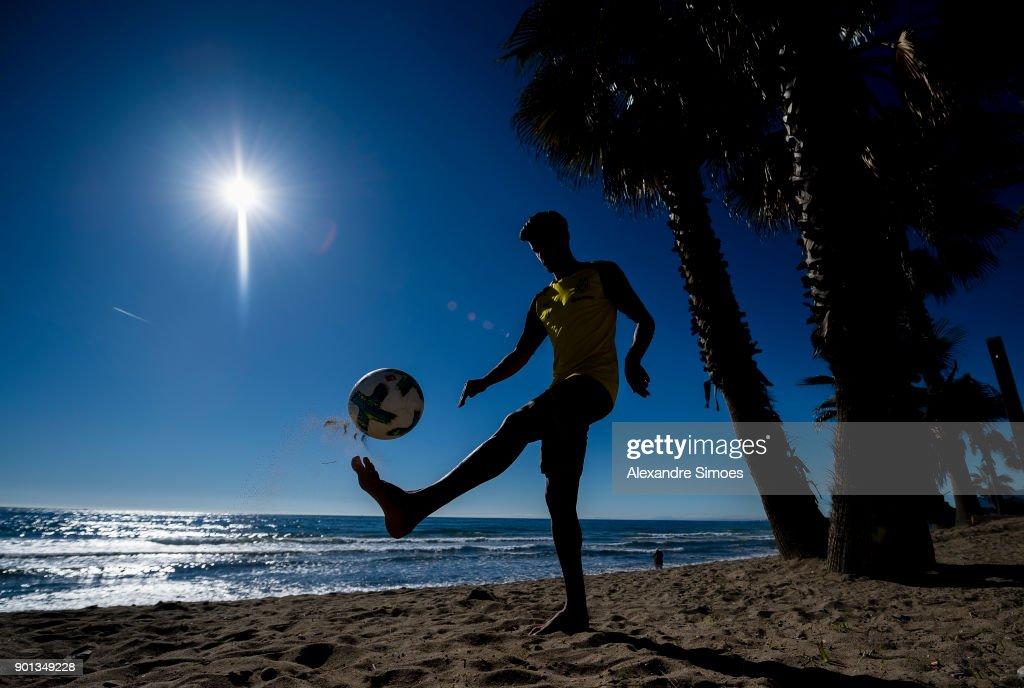 Mahmoud Dahoud of Borussia Dortmund plays football on the beach during Borussia Dortmund's training camp in Marbella on January 4, 2018 in Marbella, Spain.