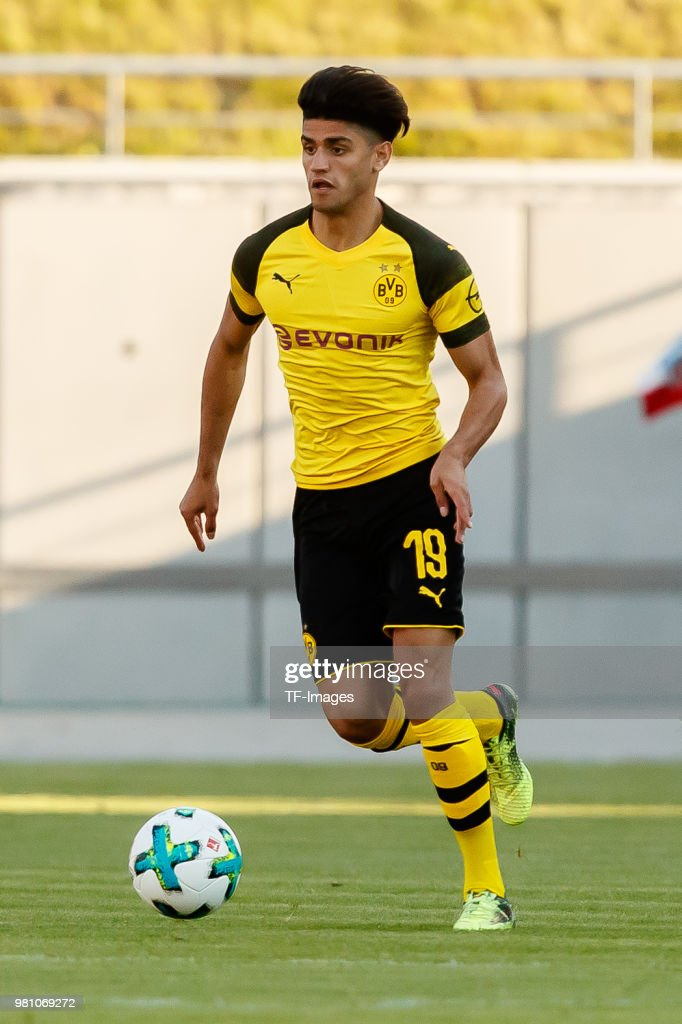 Mahmoud Dahoud of Dortmund controls the ball during the Friendly Match match between FSV Zwickau and Borussia Dortmund at Stadion Zwickau on May 14, 2018 in Zwickau, Germany.