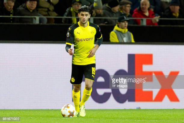 Mahmoud Dahoud of Dortmund controls the ball during the UEFA Europa League Round of 16 match between Borussia Dortmund and FC Red Bull Salzburg at...