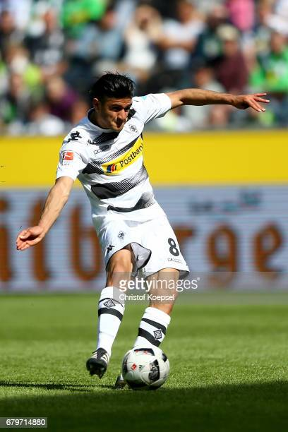 Mahmoud Dahoud of Moenchengladbach runs with the ball during the Bundesliga match between Borussia Moenchengladbach and FC Augsburg at BorussiaPark...