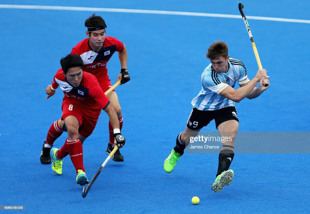 Maico Casella of Argentna shoots as Jinkang Rim of South Korea attempts to block during the Pool A match between Korea and Argentina on day one of Hero Hockey World League Semi-Final at Lee Valley Hockey and Tennis Centre on June 15, 2017 in London, England.
