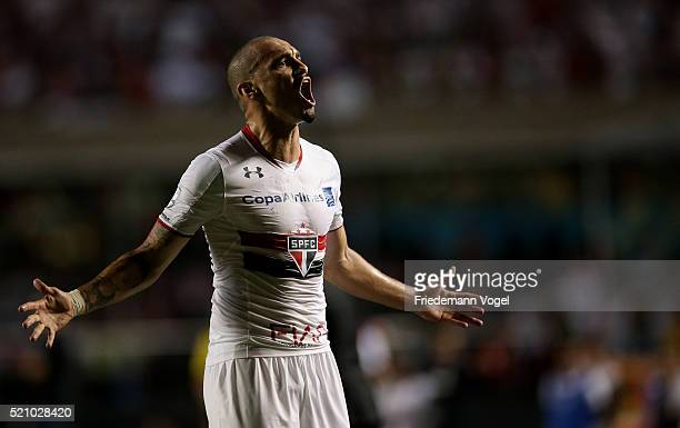 Maicon of Sao Paulo celebrates during a match between Sao Paulo and River Plate as part of Group 1 of Copa Bridgestone Libertadores at Morumbi...
