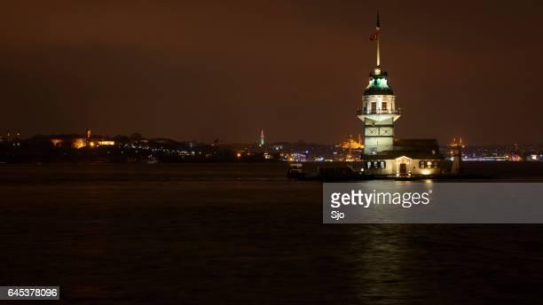"""kiz kulesi o leander la torre en la noche en estambul - """"sjoerd van der wal"""" or """"sjo"""" fotografías e imágenes de stock"""