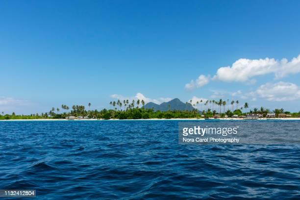 maiga island tun sakaran marine park - sabah state stock pictures, royalty-free photos & images