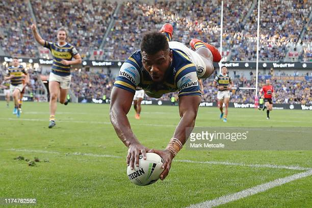 Maika Sivo of the Eels scores a try during the NRL Elimination Final match between the Parramatta Eels and the Brisbane Broncos at Bankwest Stadium...