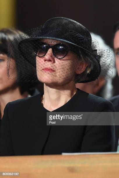 Maike KohlRichter the widow of Helmut Kohl wipes away a tear during a requiem for former German Chancellor Helmut Kohl at Speyer cathedral on July 1...