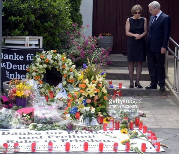 Maike KohlRichter widow of former German Chancellor Helmut Kohl and Salomon Korn chairman of the Jewish community of Frankfurt am Main stand next to...