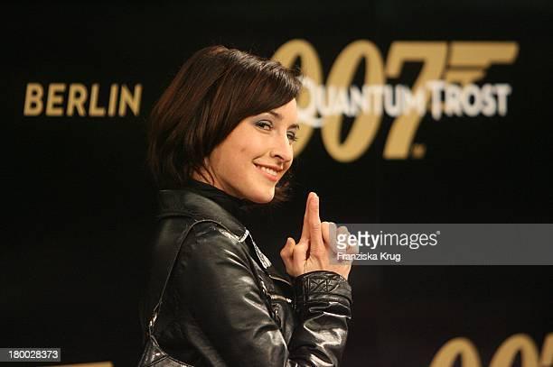 Maike Von Bremen Bei Der 007 Ein Quantum Trost Premiere Im Cinestar Am Potsdamer Platz In Berlin Am 031108