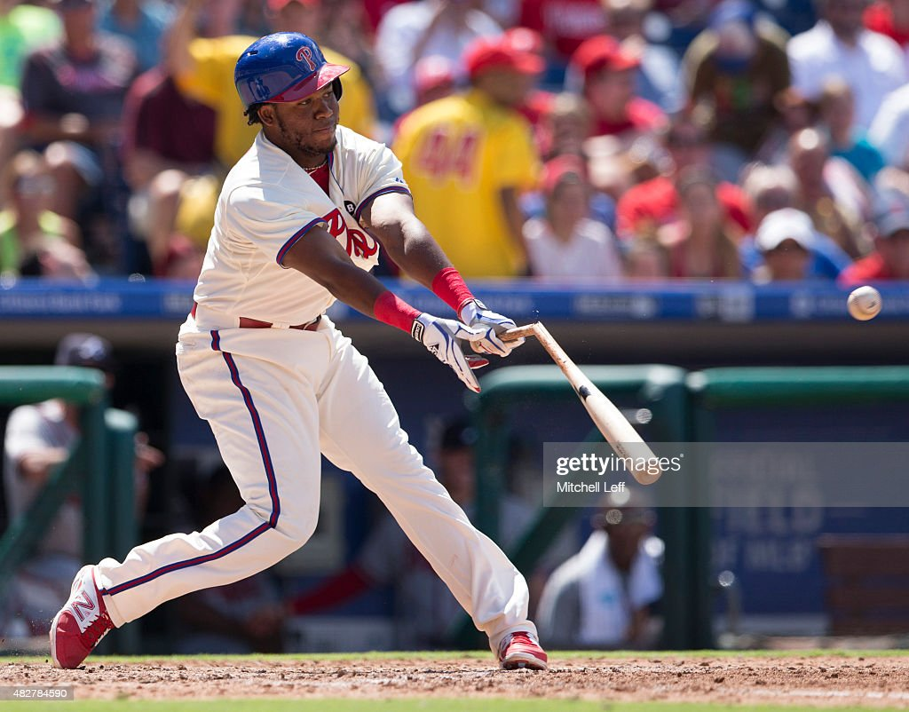 Maikel Franco #7 of the Philadelphia Phillies hits a broken bat single in the bottom of the fifth inning against the Atlanta Braves on August 2, 2015 at the Citizens Bank Park in Philadelphia, Pennsylvania. The Braves defeated the Phillies 6-2.