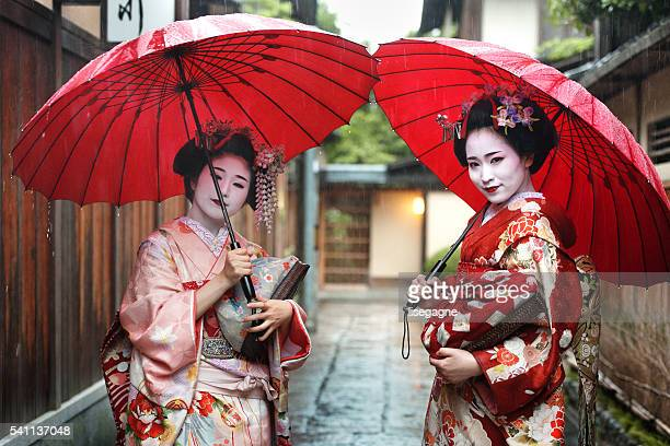 maiko girls - geisha stock pictures, royalty-free photos & images
