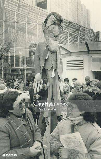 Mail protest Striking workers from McGregor Hosiery Mills display an effigy of Prime Minster Brian Mulroney outside the Toronto Eaton Centre The...