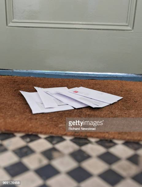 mail time - letter stock pictures, royalty-free photos & images