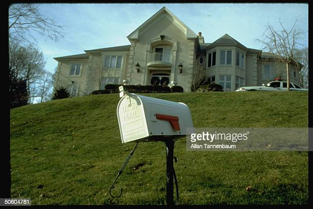 Mailbox outside home of slain ad exec Thomas Mosser most recent victim of Unabomber serial letter bomber wanted for 15 incidents since 1978