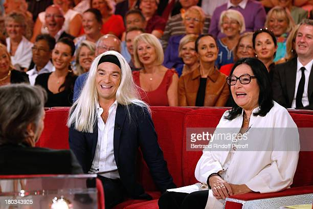 Main Guest actor Richard Berry Humorist Jonathan Lambert and singer Nana Mouskouri attend 'Vivement Dimanche' French TV Show at Pavillon Gabriel on...