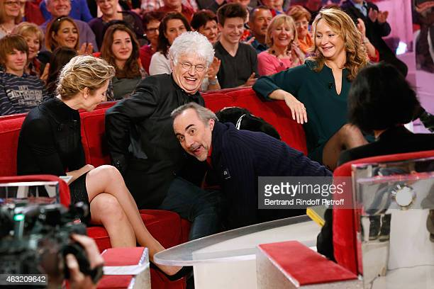 Main guest of the show Actress Alexandra Lamy Director JeanJacques Annaud Actor Antoine Dulery Humorist Julie Ferrier and her dog attend the...