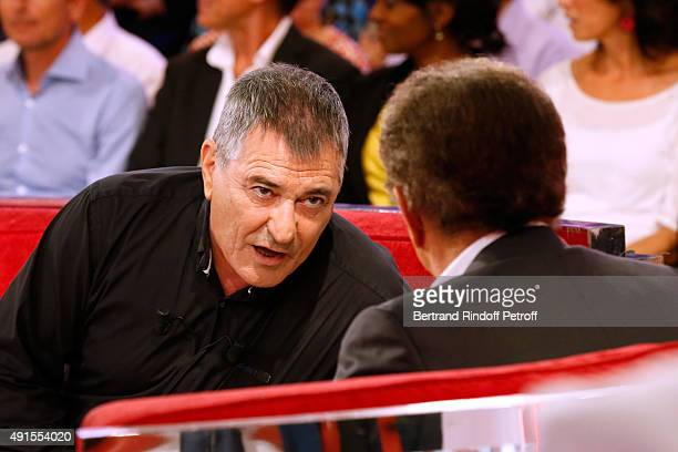 Main Guest of the show Humorist JeanMarie Bigard and Presenter of the show Michel Drucker attend the 'Vivement Dimanche' French TV Show at Pavillon...