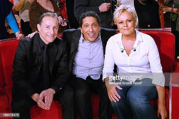 Main Guest of the show humorist Muriel Robin former football player JeanPierre Papin and humorist Smain attend the 'Vivement Dimanche' French TV Show...