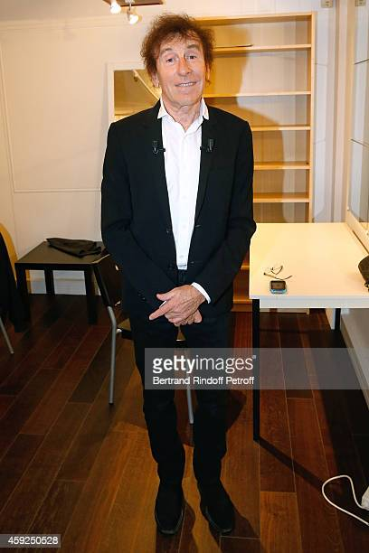 Main Guest of the show singer Alain Souchon attends the 'Vivement Dimanche' French TV Show at Pavillon Gabriel on November 19 2014 in Paris France