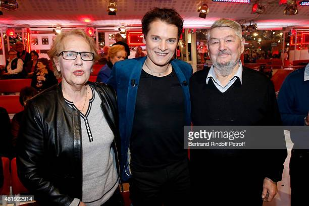Main Guest of the show singer Benabar standing between his parents his father Michel Nicolini and his mother Lilyane Nicolini attend the 'Vivement...