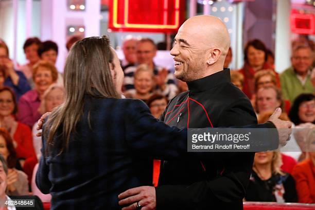 Main guest of the show, singer Florent Pagny and singer Pascal Obispo who is one of those composers of 'Vieillir avec toi', the new album of Florent,...