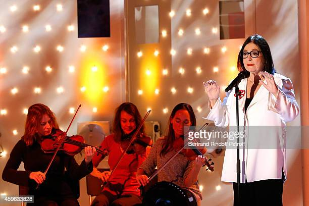 Main guest of the show singer Nana Mouskouri performs and presents her Happy birthday tour during the 'Vivement Dimanche' French TV Show at Pavillon...