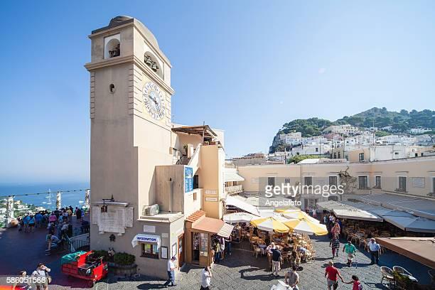 Plaza principal de Capri con Bell Tower