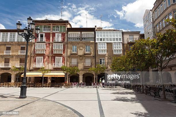 main square of haro in la rioja wine region - haro photos et images de collection