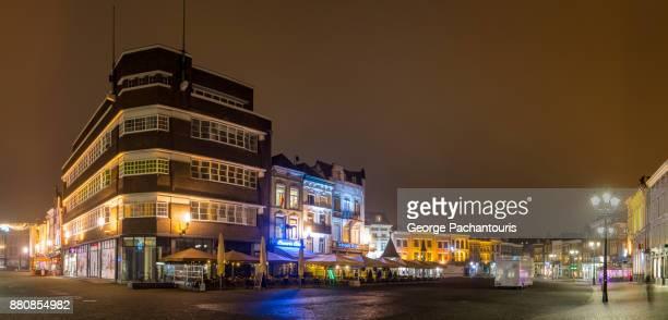 main square of 's hertogenbosch, the netherlands - 's hertogenbosch stockfoto's en -beelden