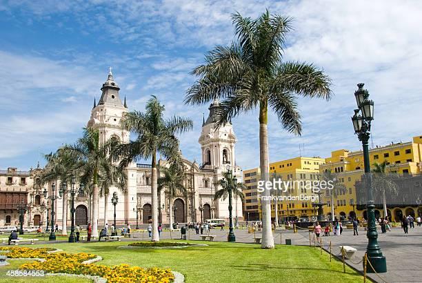 plaza de armas - catedral fotografías e imágenes de stock