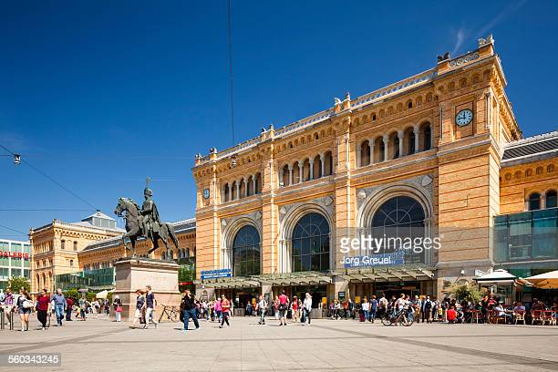 main station - hanover germany stock pictures, royalty-free photos & images