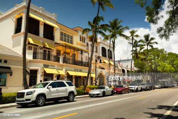 main street downtown naples florida - naples florida stock pictures, royalty-free photos & images