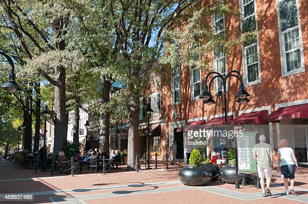 main street in charlottesville, virginia, usa - charlottesville stock pictures, royalty-free photos & images