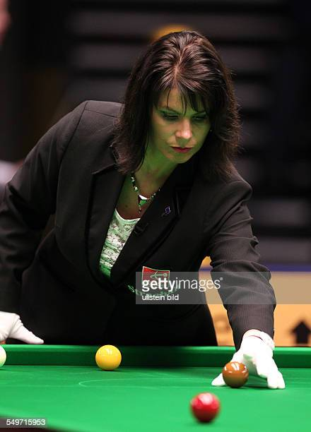 Main Tour Event im Tempodrom - Michaela Tabb Schiedsrichter Referee , Sport, Snooker Billard, Berlin German Masters im Tempodrom,