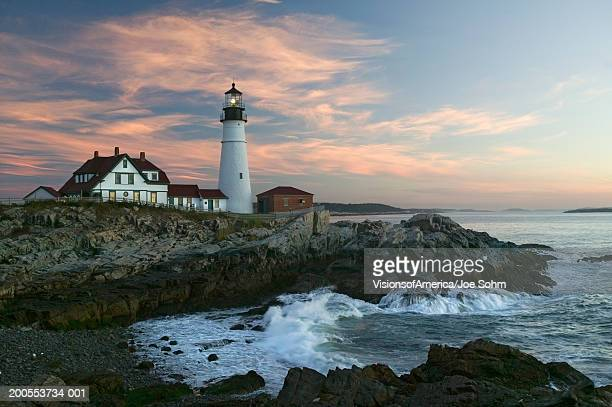 usa, maine, cape elizabeth, portland head lighthouse at sunrise - maine stock pictures, royalty-free photos & images