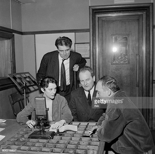 Maintenance between Maria Casares Louis Arbessier and Jean Vilar on the theater in the presence of the producer José Pivin in the radio program All...