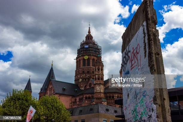 Mainz Dom and the Berlin Wall