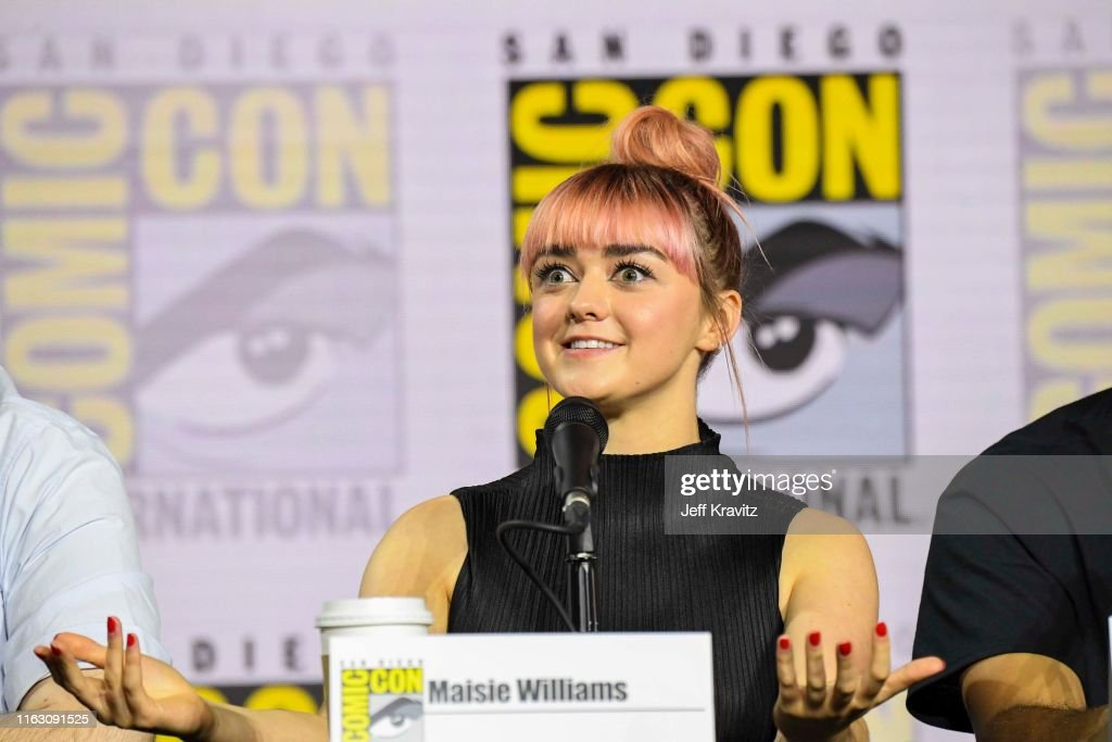 """""""Game Of Thrones"""" Comic Con Autograph Signing 2019 : News Photo"""
