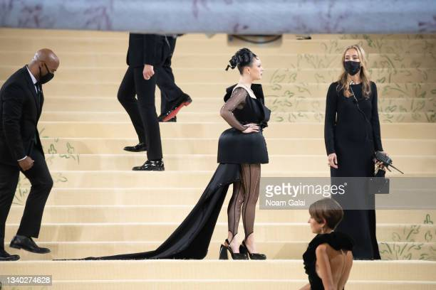 Maisie Williams attends the 2021 Met Gala celebrating 'In America: A Lexicon of Fashion' at The Metropolitan Museum of Art on September 13, 2021 in...