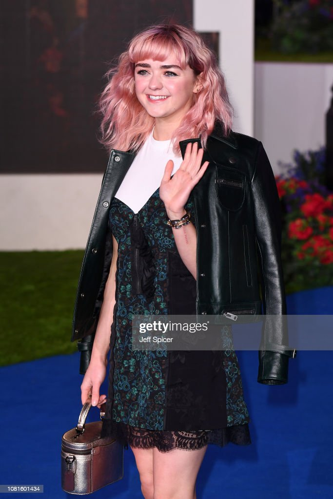 'Mary Poppins Returns' European Premiere - Red Carpet Arrivals : News Photo